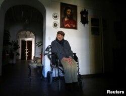 Francisco Nunez, 112, poses for a portrait at his home in Bienvenida, Badajoz, southern Spain, Dec. 11, 2016.