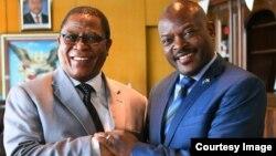 Le secrétaire général du Comesa, Sindiso Ndema Ngwenya, à gauche, a rencontré le président Pierre Nkurunziza à Bujumbura, Burundi, 25 janvier 2018. (Twitter/Présidence du Burundi)