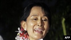 Nobelistja Aung San Su Ki në liri, pas arrestit shtëpiak