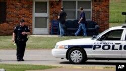 Polisi berhasil menangkap tersangka yang luka parah dalam baku tembak (foto: ilustrasi).