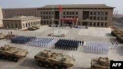 Quân đội Trung Quốc tại lễ khánh thành căn cứ quân sự mới ở Djibouti ngày 1/8/2017.