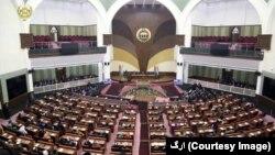 اکثر وکلای مردم در ولسی جرگه اظهارات روحانی را مداخله آشکار در امور افغانستان خواندند