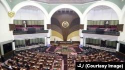 د افغانستان پارلمان ۲۵۰ څوکۍ لري، چې ۶۸ یې ښځو ته ځانګړي شوي دي.