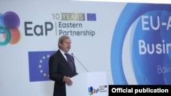 Yohannes Han Azərbaycan-Avropa İttifaqı biznes forumunda çıxış edir