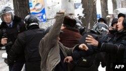"""""""Qozog'iston hukumati avtoritar ekanini isbotladi"""""""