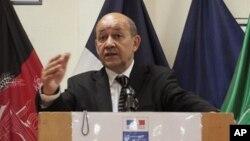 지난 7월 아프가니스탄 카불에서 기자회견을 가진 이브 르 드리앙 프랑스 국방장관. (자료사진)