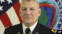 Tư lệnh quân đội Hoa Kỳ tại Châu Phi Carter Ham