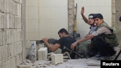 敘利亞反政府武裝準備與政府軍激戰