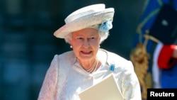 Nữ Hoàng Anh Elizabeth rời tu viện Westminster