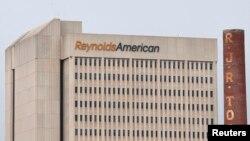 نمایی از ساختمان مرکزی شرکت رینولدز آمریکن در مرکز شهر وینستون سِیلم در ایالت کارولینای شمالی