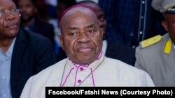 Mgr Gérard Mulumba na bokanisi ya mibu mibale ya liwa ya Etienne Tshisekedi, na Kinshasa, 1er février 2019. (Facebook/Fatshi News)