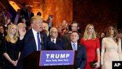 دونالدترمپ در جمعی از هوادارانش در نیویارک