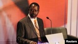 Perdana Menteri dan Capres dalam Pilpres Kenya Raila Odinga saat debat Capres yang diselenggarakan di di sebuah sekolah di ibukota Nairobi (25/3).