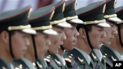 중국 군대가 열병식을 하고 있는 모습
