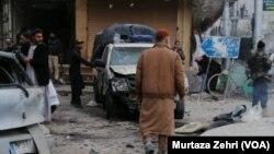 مقامی میڈیا کے مطابق کوئٹہ کی شارع اقبال پر دھماکہ اس وقت ہوا جب وہاں ایک مذہبی جماعت کا احتجاجی مظاہرہ جاری تھا۔