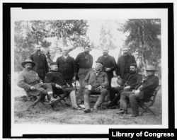 Chester A. Arthur (center) and members of his trip to Yellowstone National Park