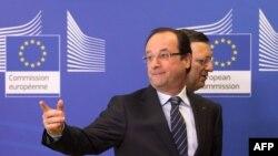 Le présdient de la Commission européenne, Jose Manuel Barroso, et le président français Francois Hollande à la conférence des donateurs sur le Mali
