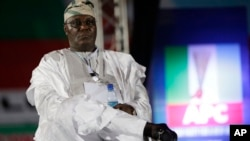 L'ancien vice-président du Nigeria, Atiku Abubakar, aspirant à la présidence, lors du congrès du parti du Congrès progressiste à Lagos, Nigeria, 10 décembre 2014