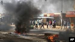 Manifestations dans la localité de Kadro, le 25 septembre 2013.