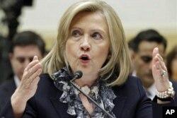 A secretária de estado americana, Hillary Clinton, durante uma audição da comissão do Congresso para as Relações Internacionais, em Washington, no dia 1 de Março.
