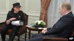Михаил Шемякин и Владимир Путин