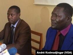 Brahim Vournoné Padir, à gauche, et Mbaimong Guedmbaye Brice, respectivement rapporteur général et porte-parole de la CODAC, à N'Djamena, le 5 août 2017. (VOA/André Kodmadjingar)