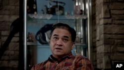 중국 법원으로부터 종신형을 선고 받은 위구르족 반체제 학자 일함 토티 전 중앙민족대학 교수 (자료사진)