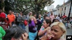 Người ủng hộ thương tiếc Tổng thống Venezuela Hugo Chavez