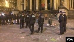Des policiers déployés après une attaque terroriste à Bruxelles, Belgique, mars 2016.