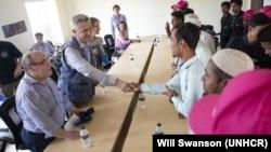 BM Göçmenlik Dairesi Direktörü (IOM) Antonio Vitorino, BM Mülteciler Yüksek Komiseri (UNHCR) Flippo Grandi ve BM Acil Yardım Koordinatörü Mark Lowcock, Bangladeş'e yaptıkları ziyarette Arakanlı Müslümanların bulunduğu kampları ziyaret etti.