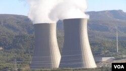 Torres de refrigeración de una planta nuclear en España.