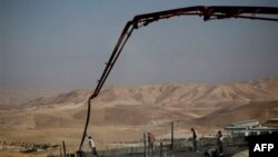Kudüs yakınlarındaki Maale Adumim yerleşim yerindeki inşaatlarda Filistinli işçiler çalıştırılıyor
