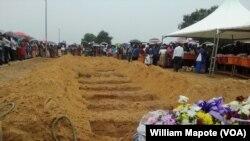 Funeral de vítimas da tragédia da lixeira, Moçambique