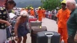 Bozulan Turist Gemisinin 1000 Yolcusu Nihayet Karada