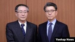 북핵 6자회담 중국측 수석대표 우다웨이 중국 외교부 한반도사무특별대표(왼쪽)와 한국측 수석대표인 김홍균 외교부 한반도평화교섭본부장(오른쪽)이 10일 한국 외교부에서 회동했다.