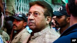 Mantan Presiden Jenderal Pervez Musharraf kembali ditahan Kamis (10/10) atas dakwaan kejahatan terbaru (foto: dok).
