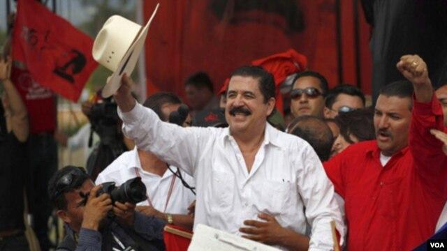 Zelaya no es más miebro del Partido Liberal, pero sí del recientemente fundado Frente de Resistencia Popular (FARP), con el que competirá por las elecciones presidenciales de 2013.