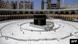 Suasana di Ka'bah, Masjidil Haram di kota Mekkah pada 3 April 2020 lalu (foto: dok).