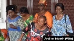 Des femme s'organisent pour lutter contre les rites du veuvage, Brazzaville le 6 décembre 2019. (VOA/Arsène Séverin)