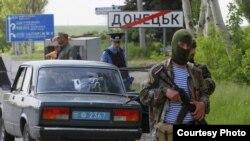 Proruske snage na položajima u Donbasu, maj 2014. godine. Foto: EPA