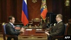 Архив: Сергей Степашин, председатель Счетной палаты России, на встрече с президентом Дмитрием Медведевым