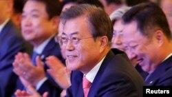 인도를 국빈방문 중인 문재인 한국 대통령이 9일 뉴델리에서 열린 '한-인도 비즈니스 포럼'에 참석하고 있다.