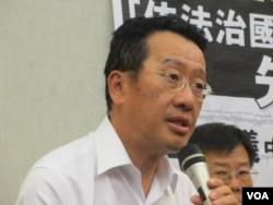台灣聲援中國人權律師網絡副召集人顧立雄律師(美國之音張永泰拍攝)