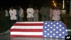 2008년 사건으로 살해된 미국 외교관 존 마이클 그랜빌의 시신.