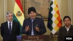 Los 17 ministros agradecieron a Morales por haberles permitido acompañarlo.
