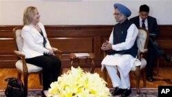 ہلری کلنٹن ان دونوں بھارت کے دورے پر ہیں