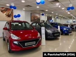 រូបភាពឯកសារ៖ នេះជាទិដ្ឋាភាពនៅក្នុងហាងលក់រថយន្ត Hyundai នៅក្នុងក្រុង Gurgaon។