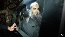 Abu Qatada diamankan setelah sidang dengar pendapat terkait kasus keamanan dan deportasi di London (Foto: dok).