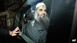 Abu Qatada diamankan setelah sidang dengar pendapat terkait kasus keamanan dan deportasi di London (17/4). AL-Qaida Afrika Utara (AQIM) menawarkan pembebasan Stephen Malcolm apabila pemerintah Inggris membebaskan tokoh militan Abu Qatada dari tahanan.