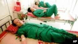 Di banyak negara berkembang di Asia tingkat penularan virus hepatitis B sangat tinggi. Virus ini merupakan penyebab kanker hati (foto: dok.).